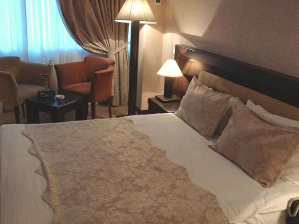 Le-Granda-Plaza-Hotel