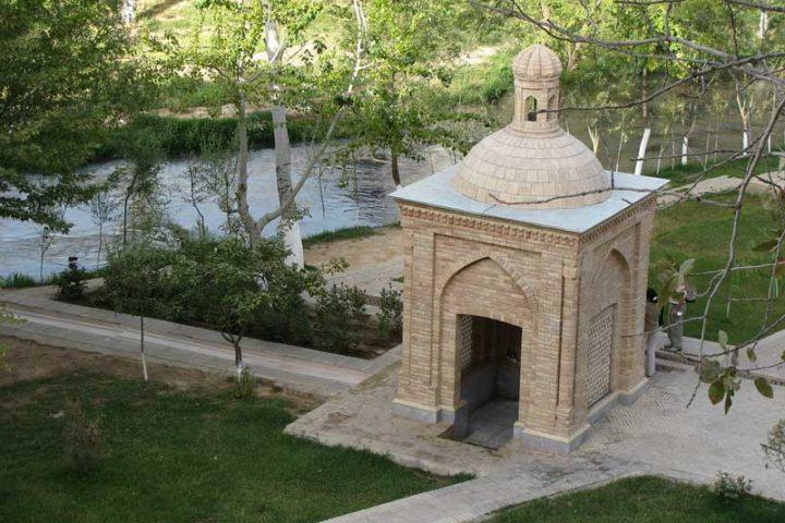 Mausoleum_Khoja_Daniyar_1