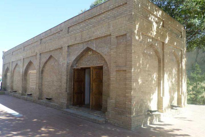 Mausoleum_Khoja_Daniyar_2
