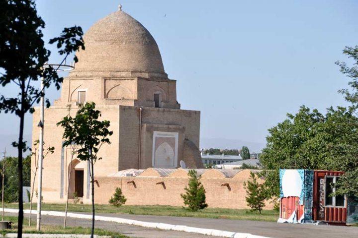 Rukhabad-Mausoleum-4