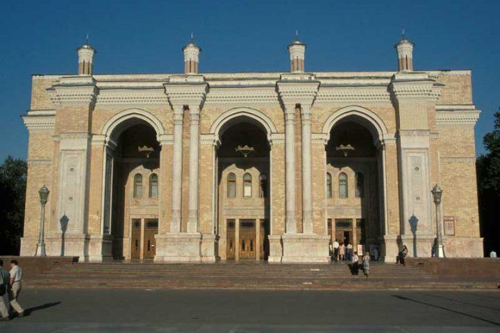 Alisher-Navoi-Opera-Theatre