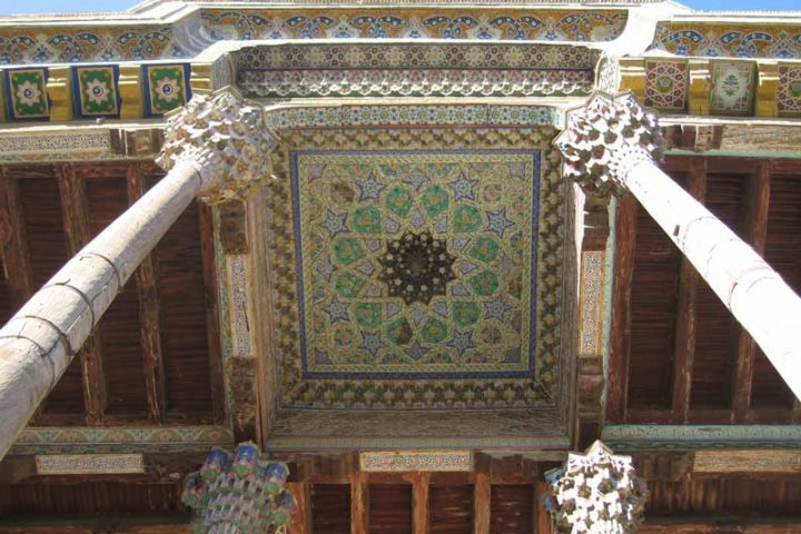 Bola-Hauz-Mosque-1