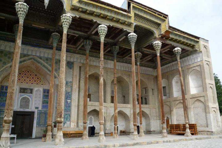 Bola-Hauz-Mosque-2
