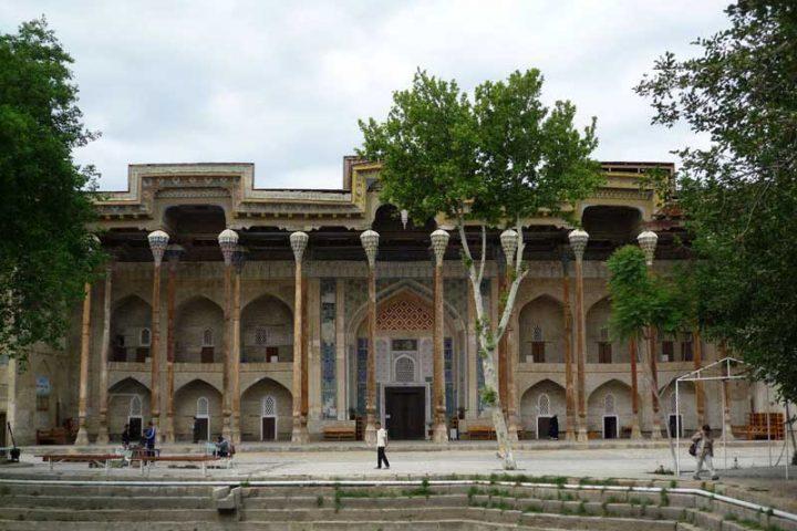 Bola-Hauz-Mosque-3