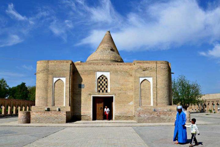 Chashmai-Ayub-Mausoleum-1