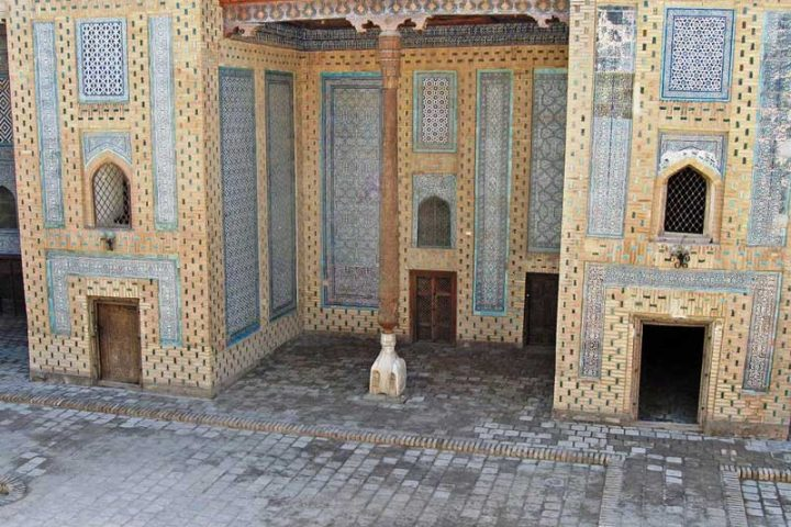 Djuma-Mosque-1