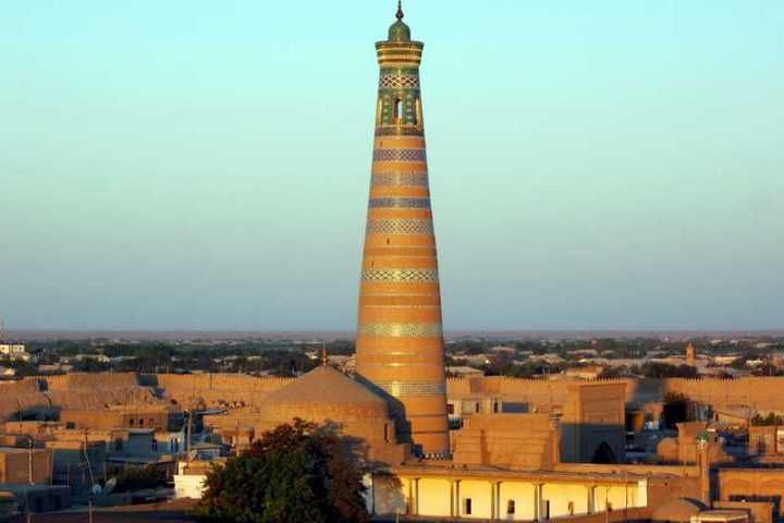 Islam-Khoja-Madrasa-and-Minaret-Feat-im