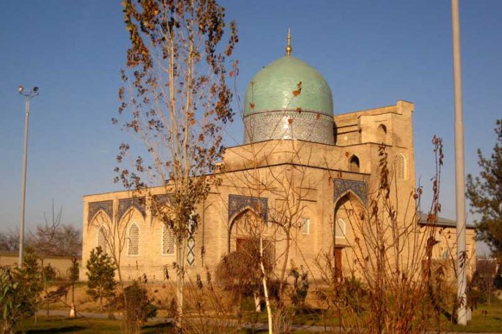 Kaffal-Shashiy-Mausoleum-3