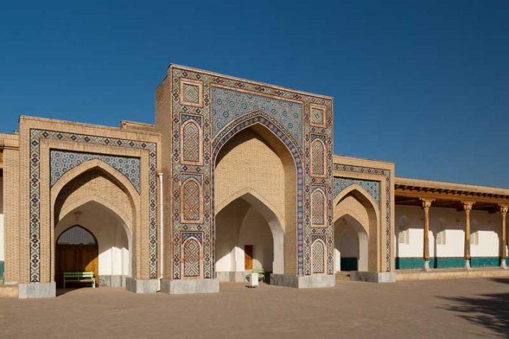 Kok-Gumbaz-Mosque-3