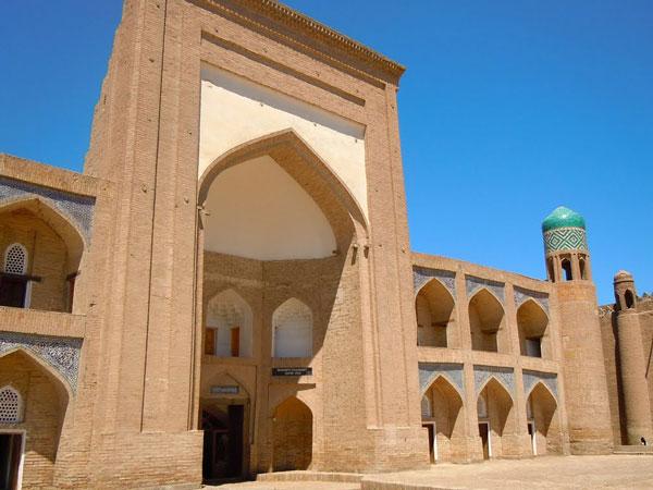 Kutlug-Murad-Inak-Madrasah-1
