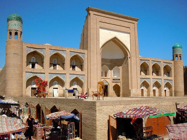 Kutlug-Murad-Inak-Madrasah-2