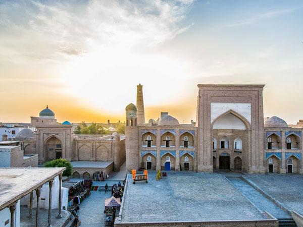 Kutlug-Murad-Inak-Madrasah-3