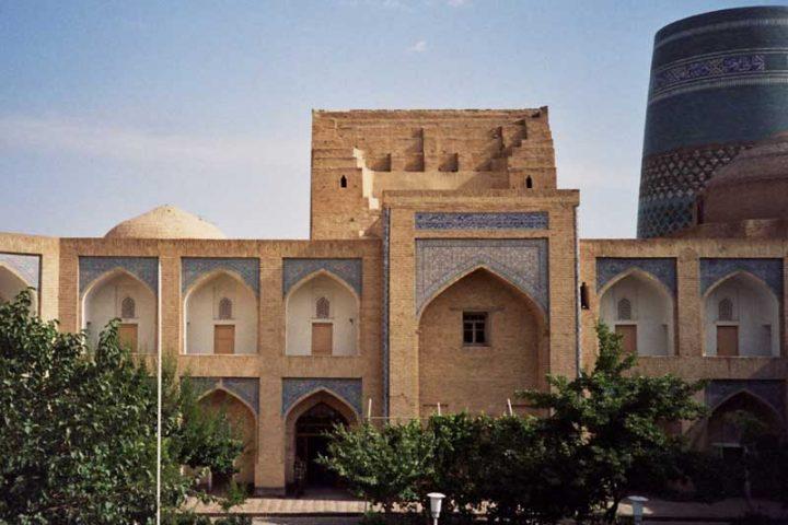Muhammad-Amin-Khan-Madrasah-1