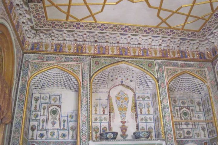 Sitorai-Mohi-Hosa-Palace-2