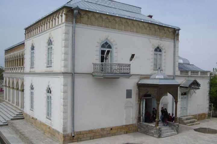 Sitorai-Mohi-Hosa-Palace